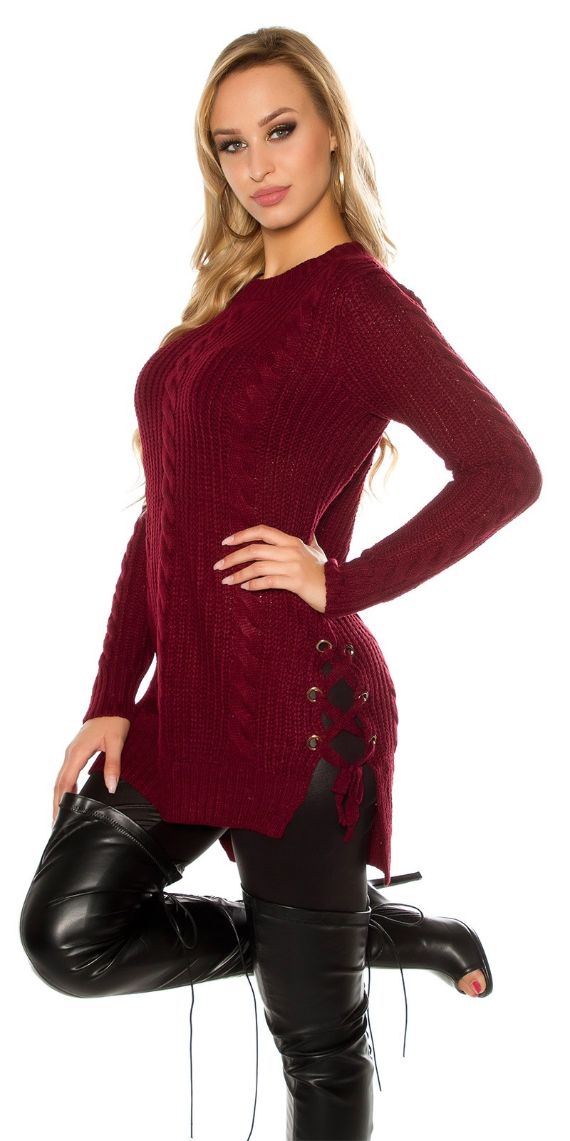 Trendy chunky knit longsweater with lacing Bordeaux