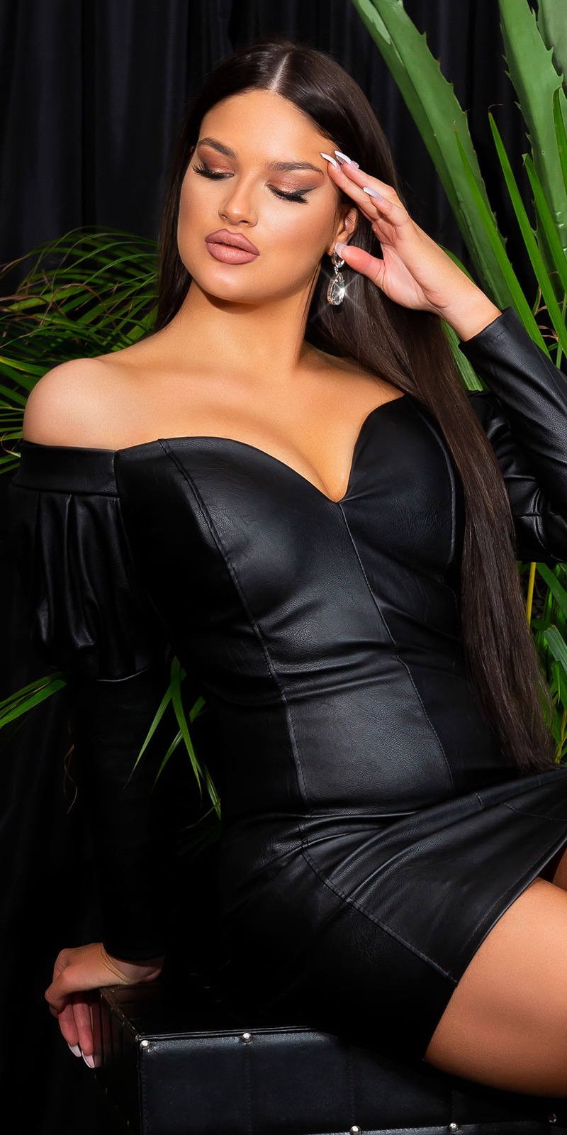 Sexy lederlook langmouw mini jurk off shoulder zwart