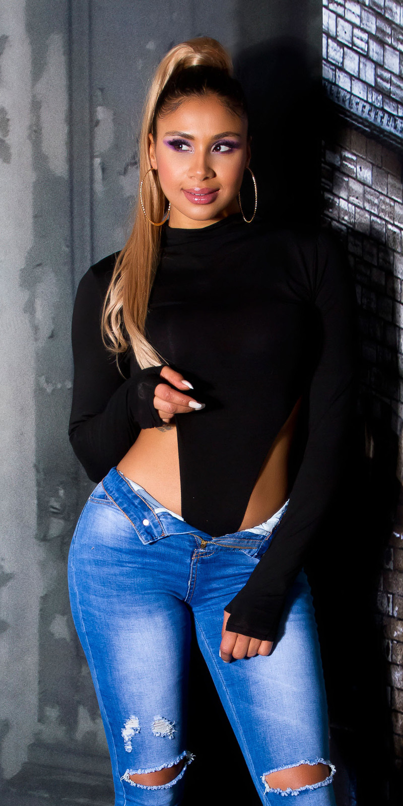 Sexy high-cut thong bodysuit zwart