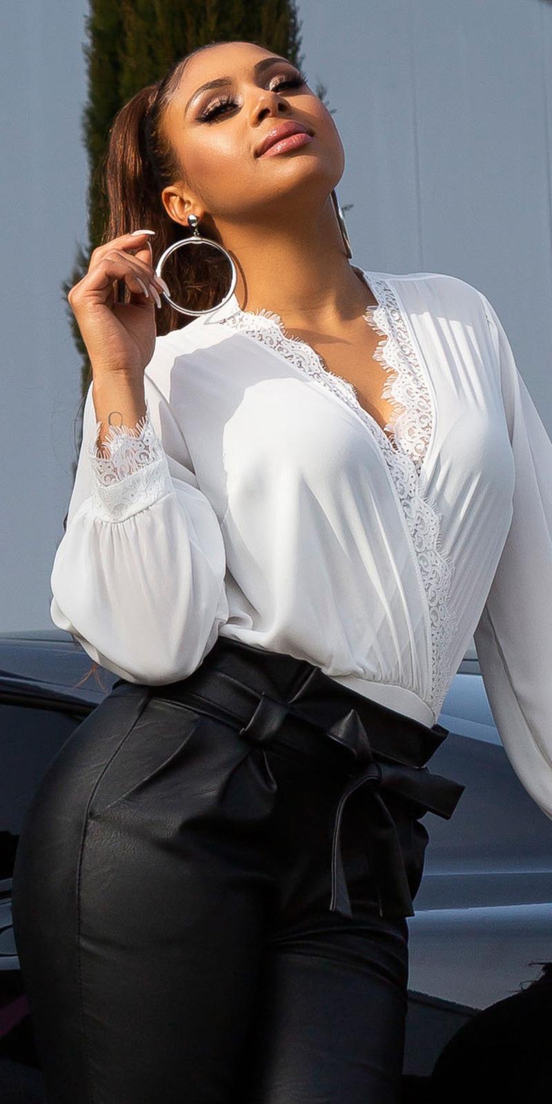 Sexy bodysuit met kant en deep v-halter wit