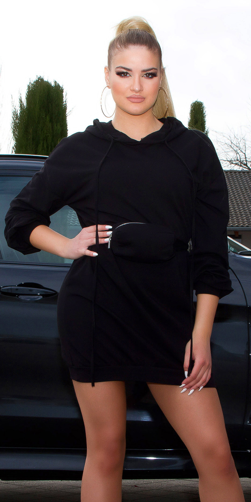Trendy capuchon mini jurkje met fanny pack zwart