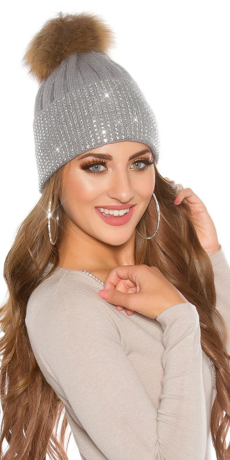 Trendy knit cap w. detachable PomPom&rhinestones Grey