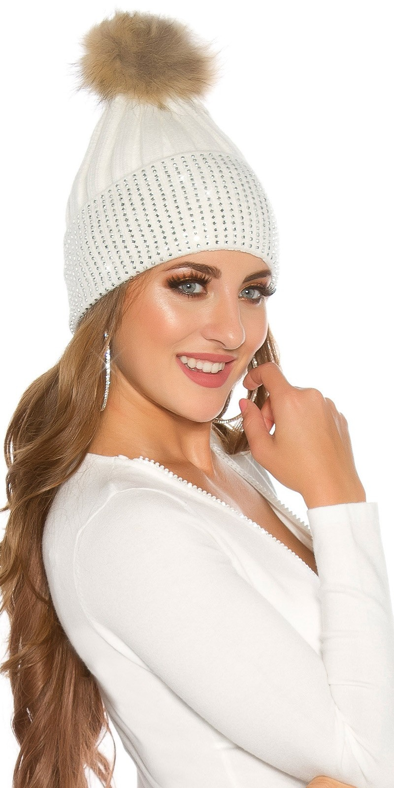 Trendy knit cap w. detachable PomPom&rhinestones White
