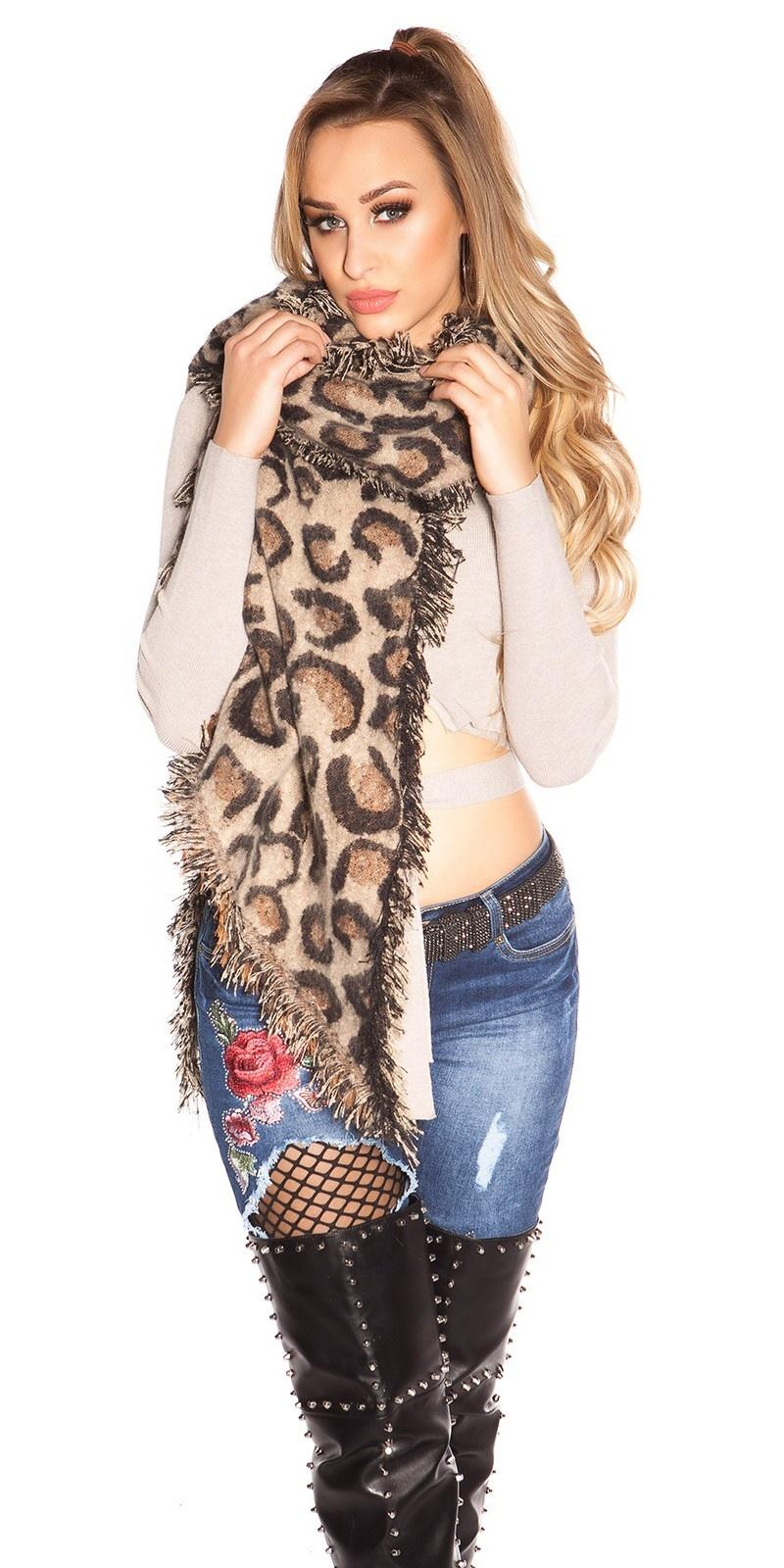 Trendy XL scarf in leo pattern Beige