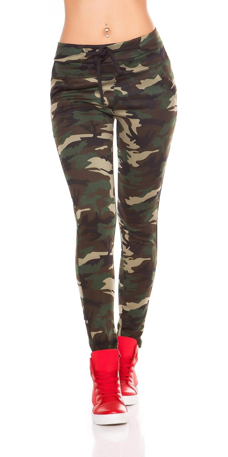 Sexy leggings in camouflage khaki