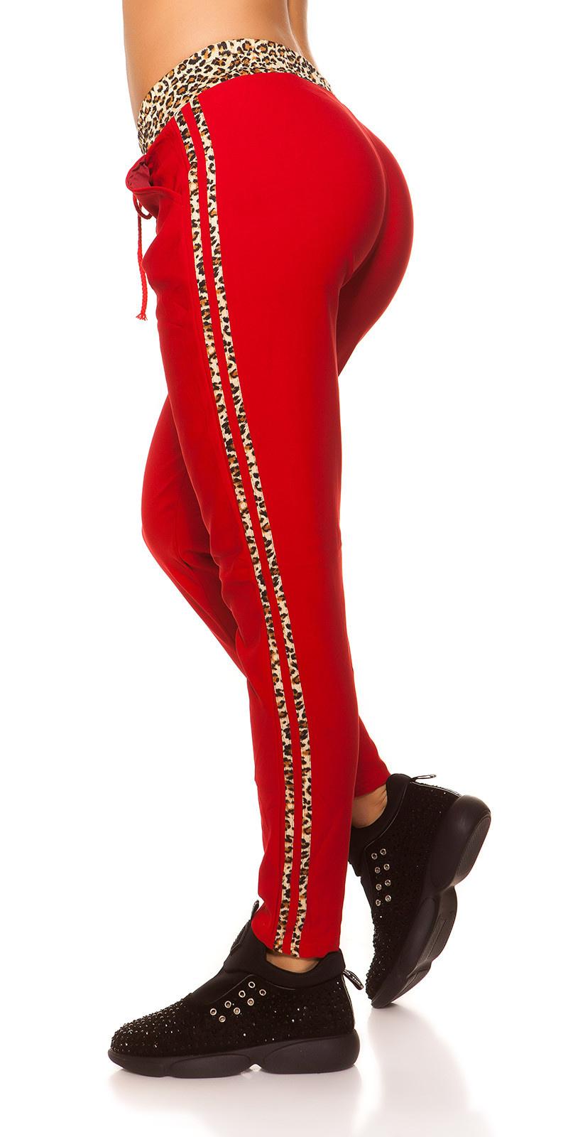 Trendy joggingbroek met luipaard strepen rood