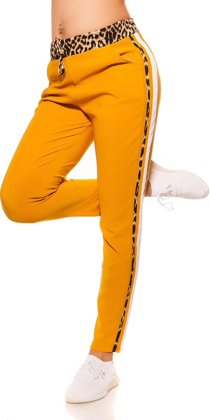 Trendy joggingbroek met luipaard contrast strepen mosterdgeel