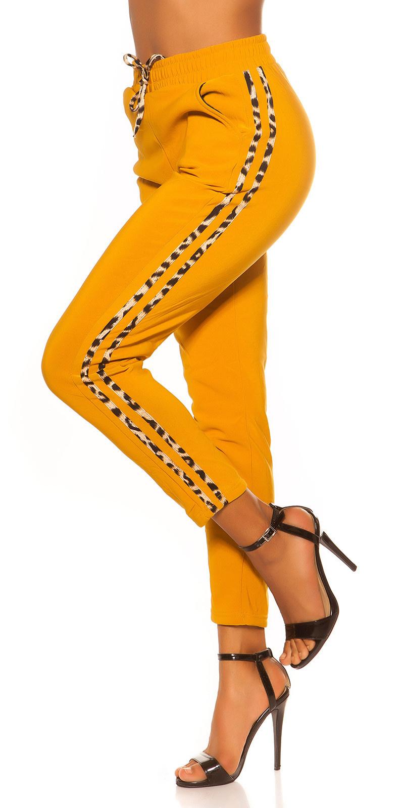 Trendy jogging broek met luipaard contrast streep mosterdgeel