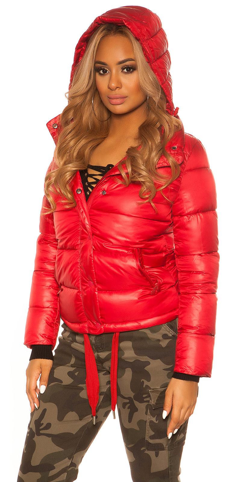 Trendy winterjas met afneembare capuchon rood