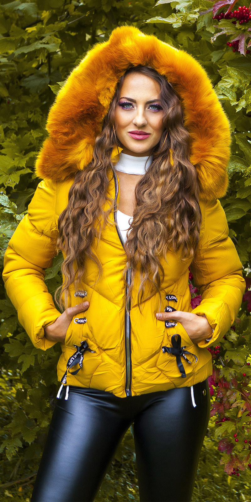 Sexy winter jacket w. fakeLacing + detachable hood Mustard