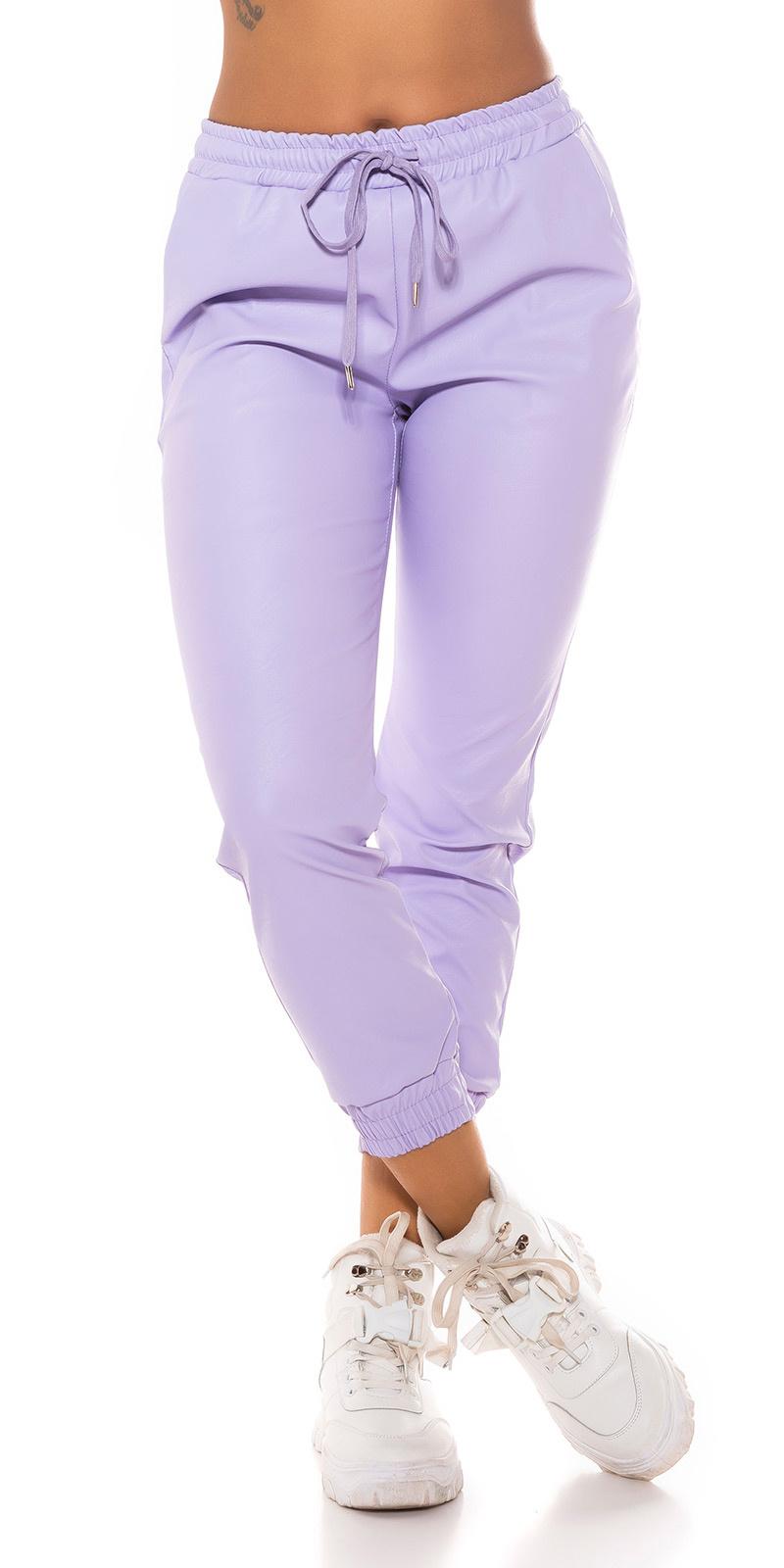 Trendy faux leder jogger style broek lila
