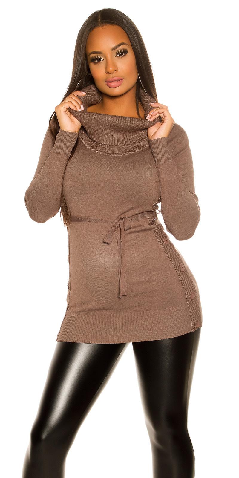 Trendy gebreide jurk met knopen cappuccino