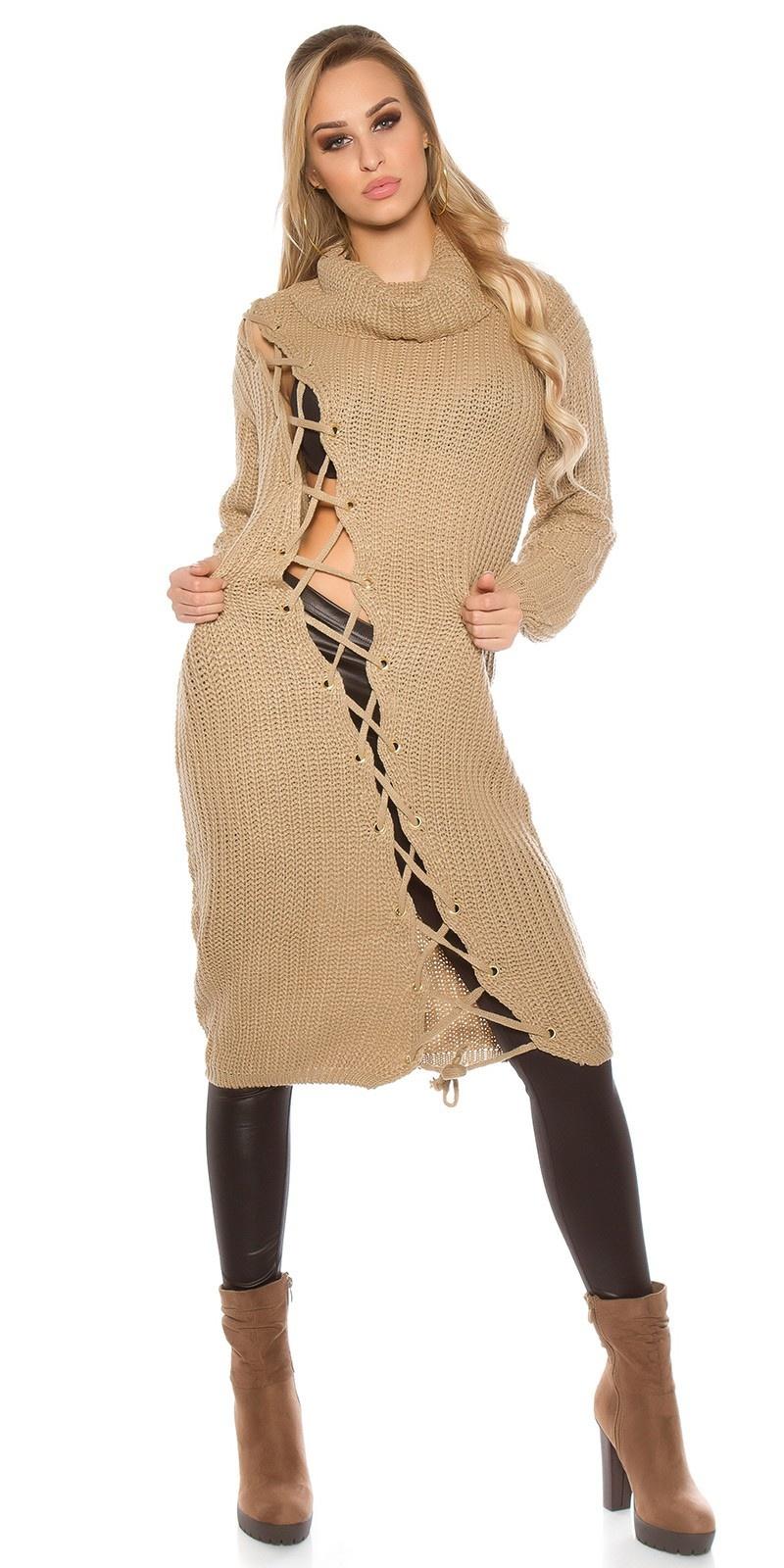 Trendy grof gebreide jurk met xl kraag cappuccino