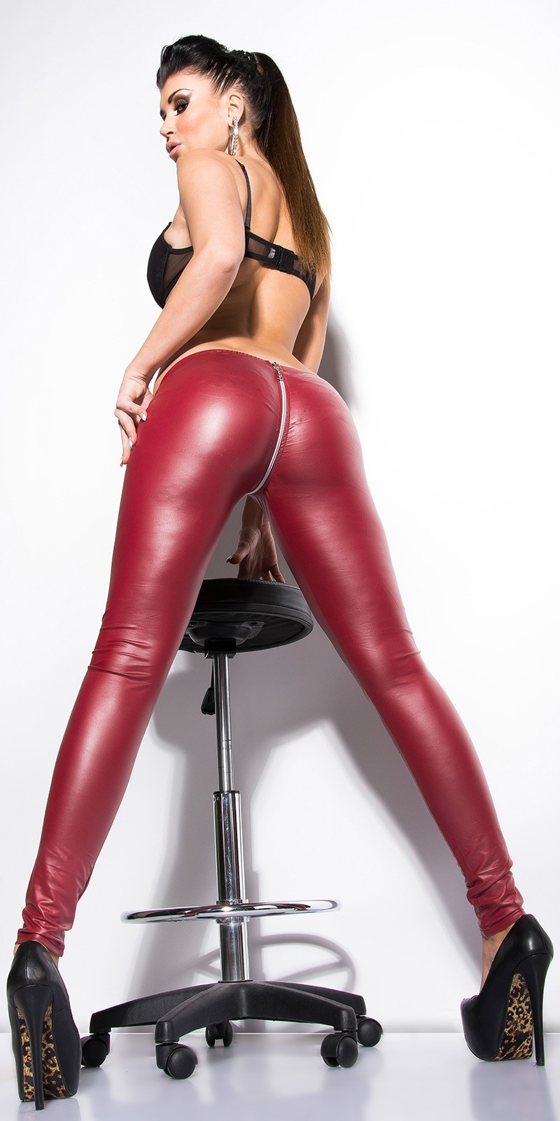 Sexy leggings in wetlook met ritssluiting bordeaux