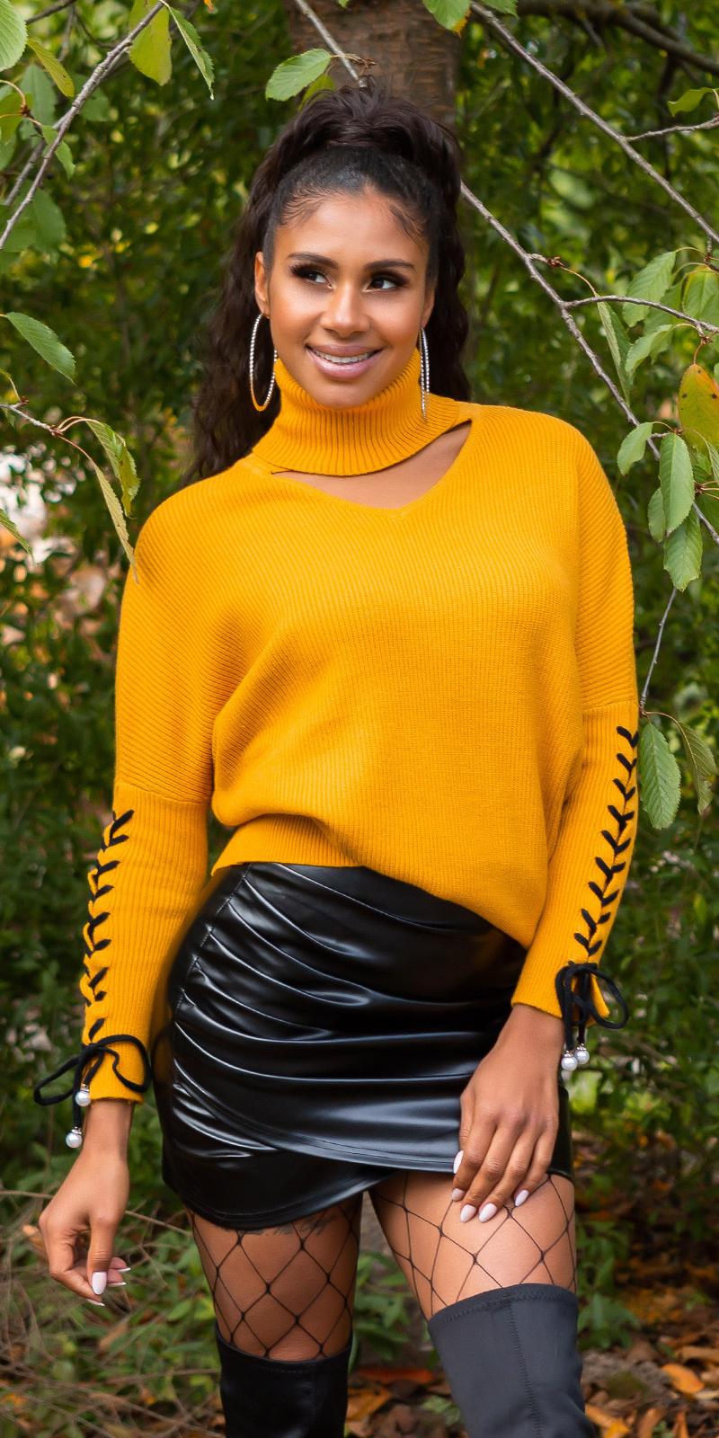 Trendy col trui met uitsparing mosterdgeel