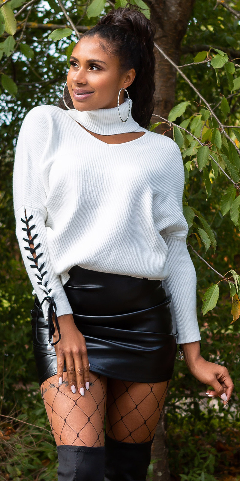 Trendy KouCla turtleneck jumper with cut out White