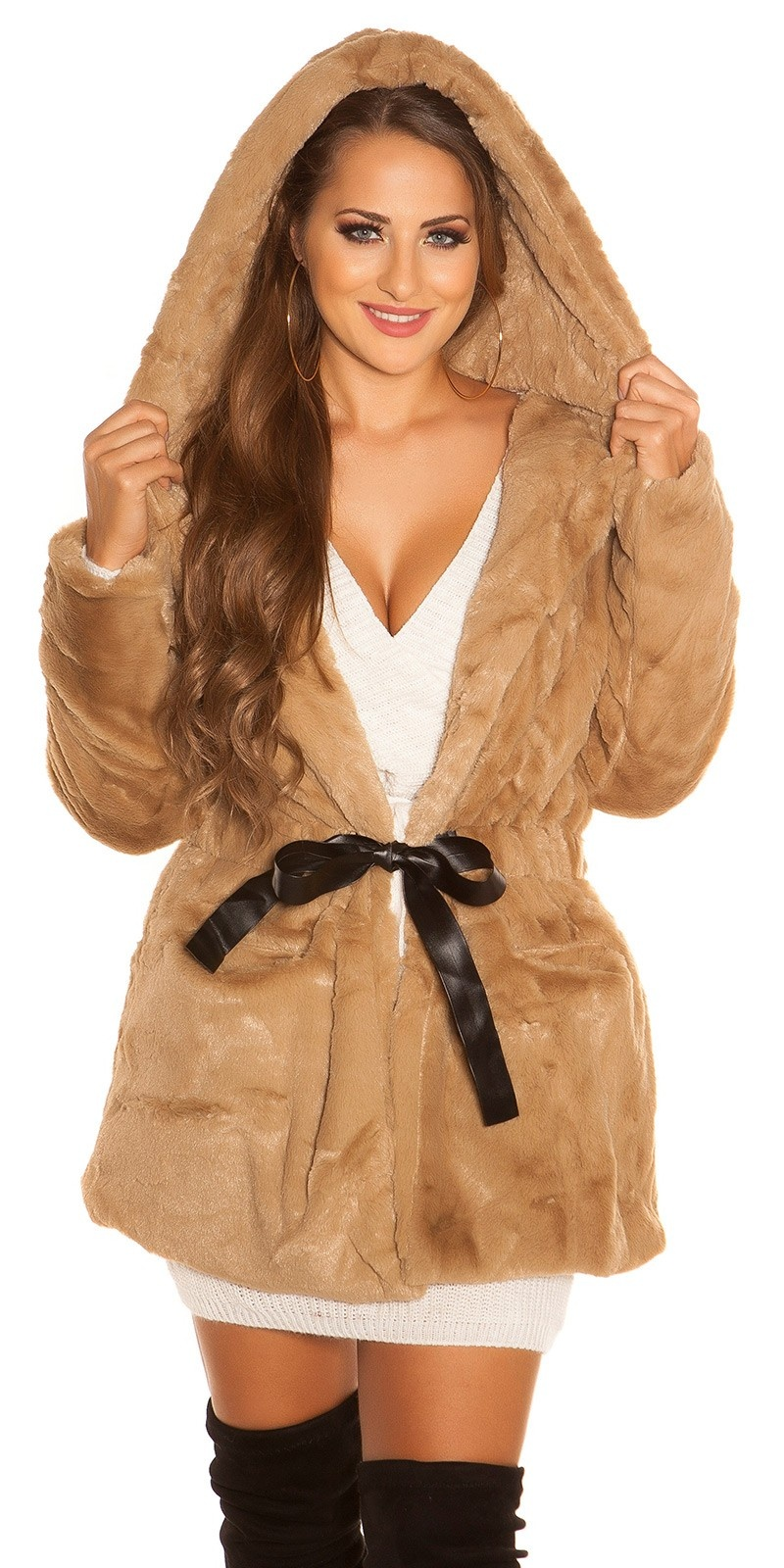 Trendy fake fur jacket with hood for tying Cappuccino