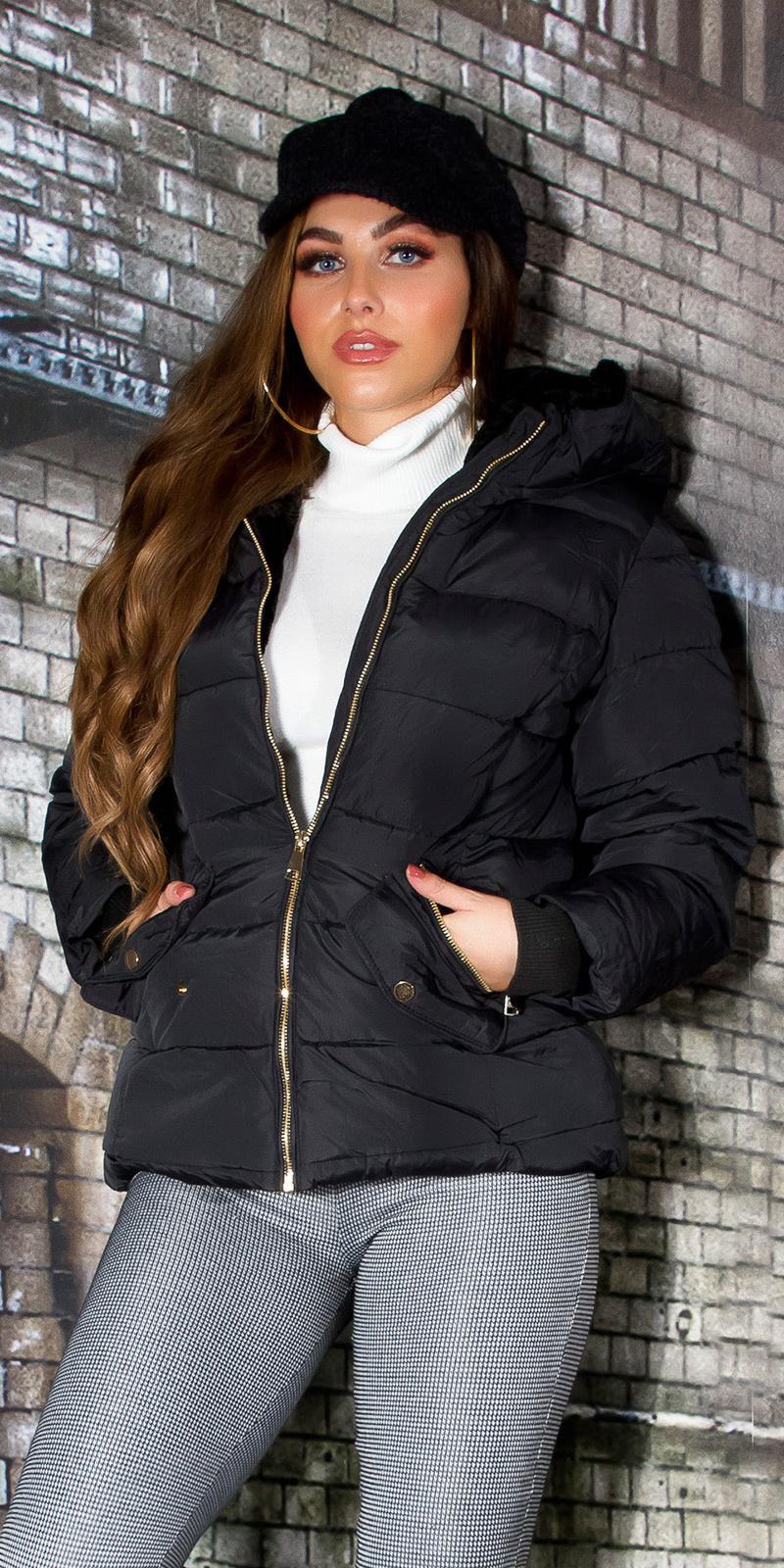 Sexy korte winterjas met teddy lining en capuchon zwart