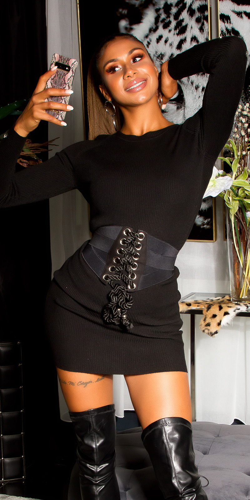Sexy rib-gebreid mini jurkje met decoratieve studs zwart