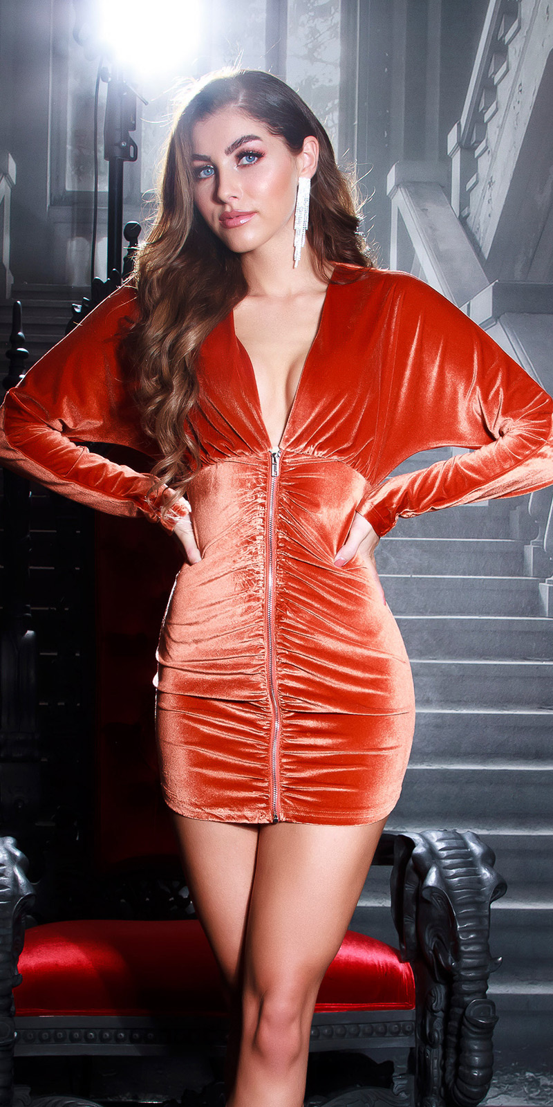 Sexy fluweel jurk met ritssluiting brons