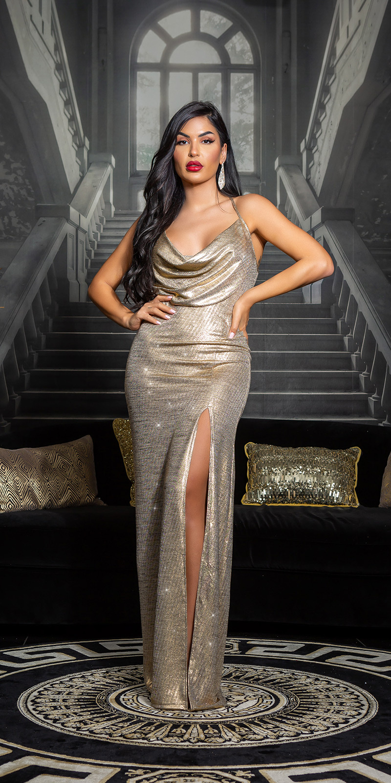 Sexy red-carpet oscarlook lange jurk goud
