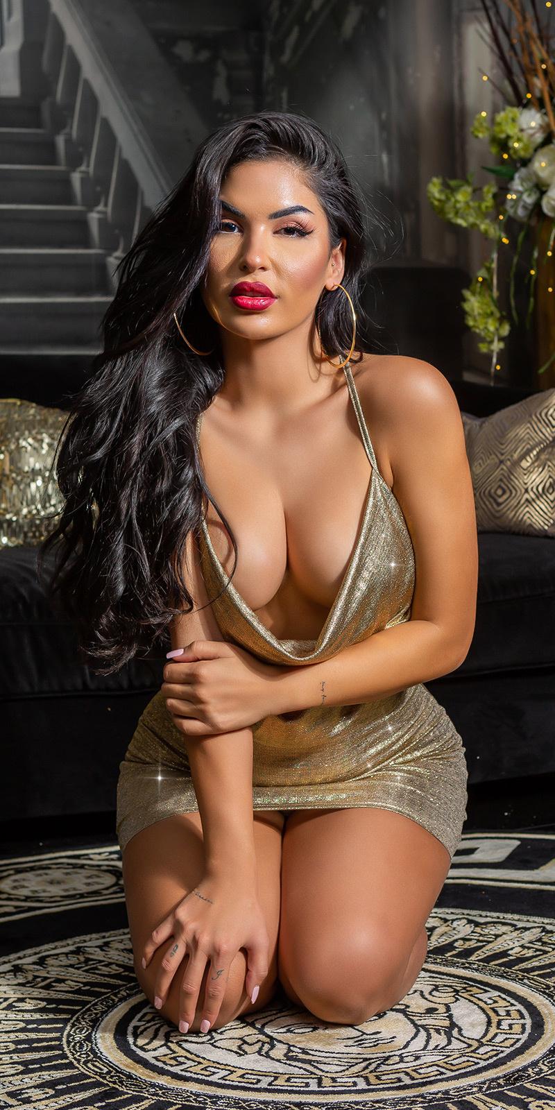 Sexy bodycon jurk met kant op de rug goud
