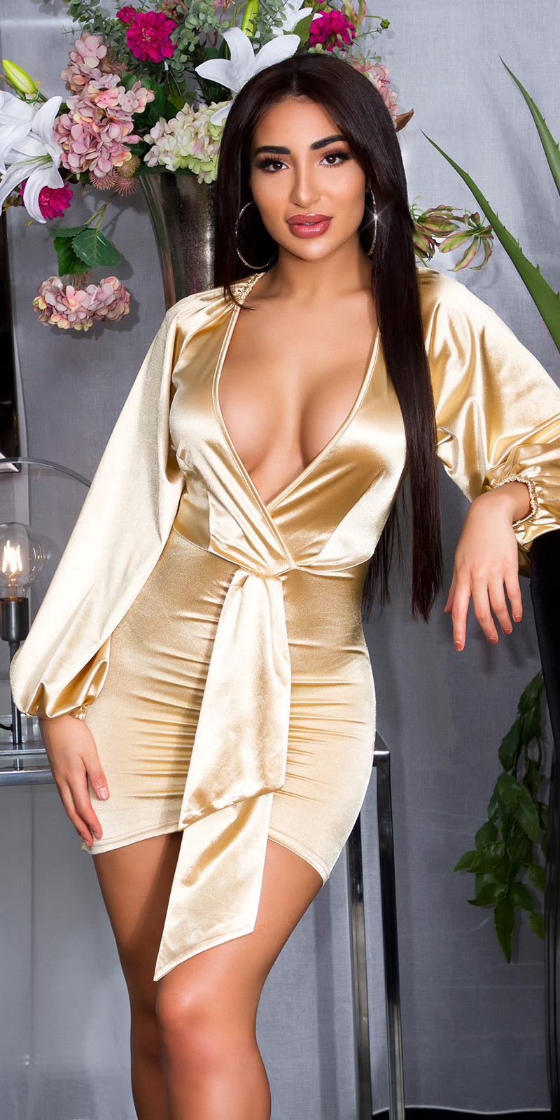 Sexy diepe v-halter satijnen mini jurkje goud