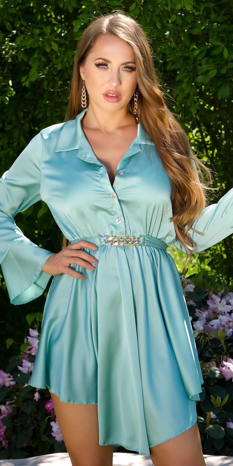 Sexy elegante satijn jurk met decoratieve gesp groen