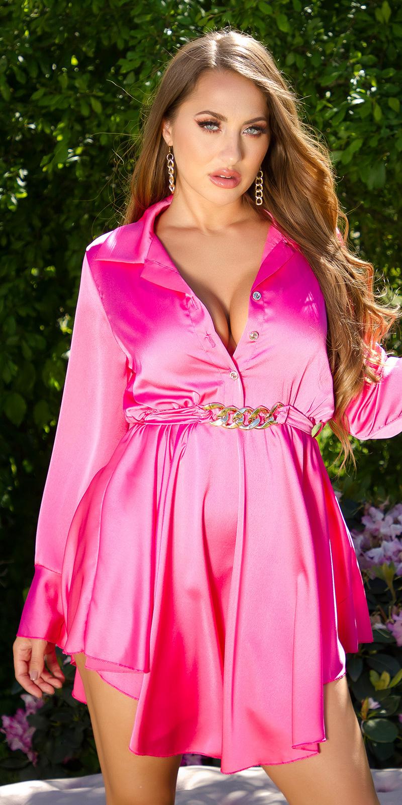 Sexy elegante satijn jurk met decoratieve gesp roze