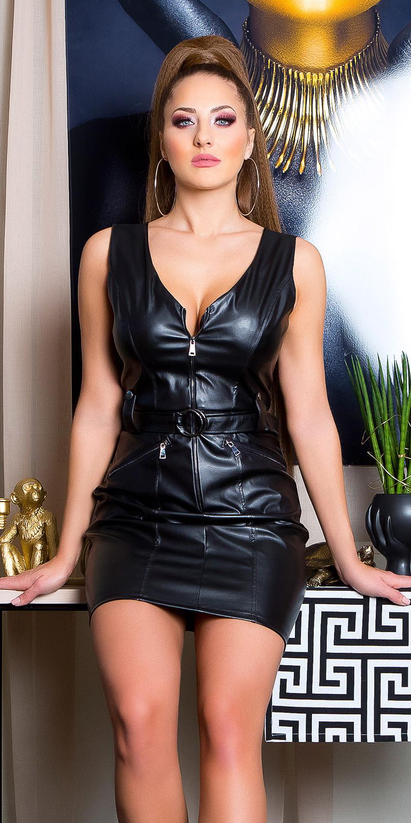 Sexy lederlook mini jurkje met riem zwart