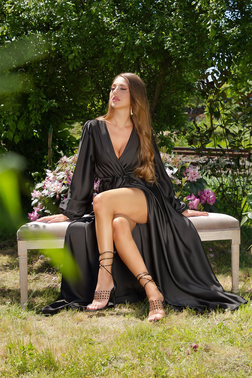 Sexy satijn maxi jurk wikkel-around look zwart