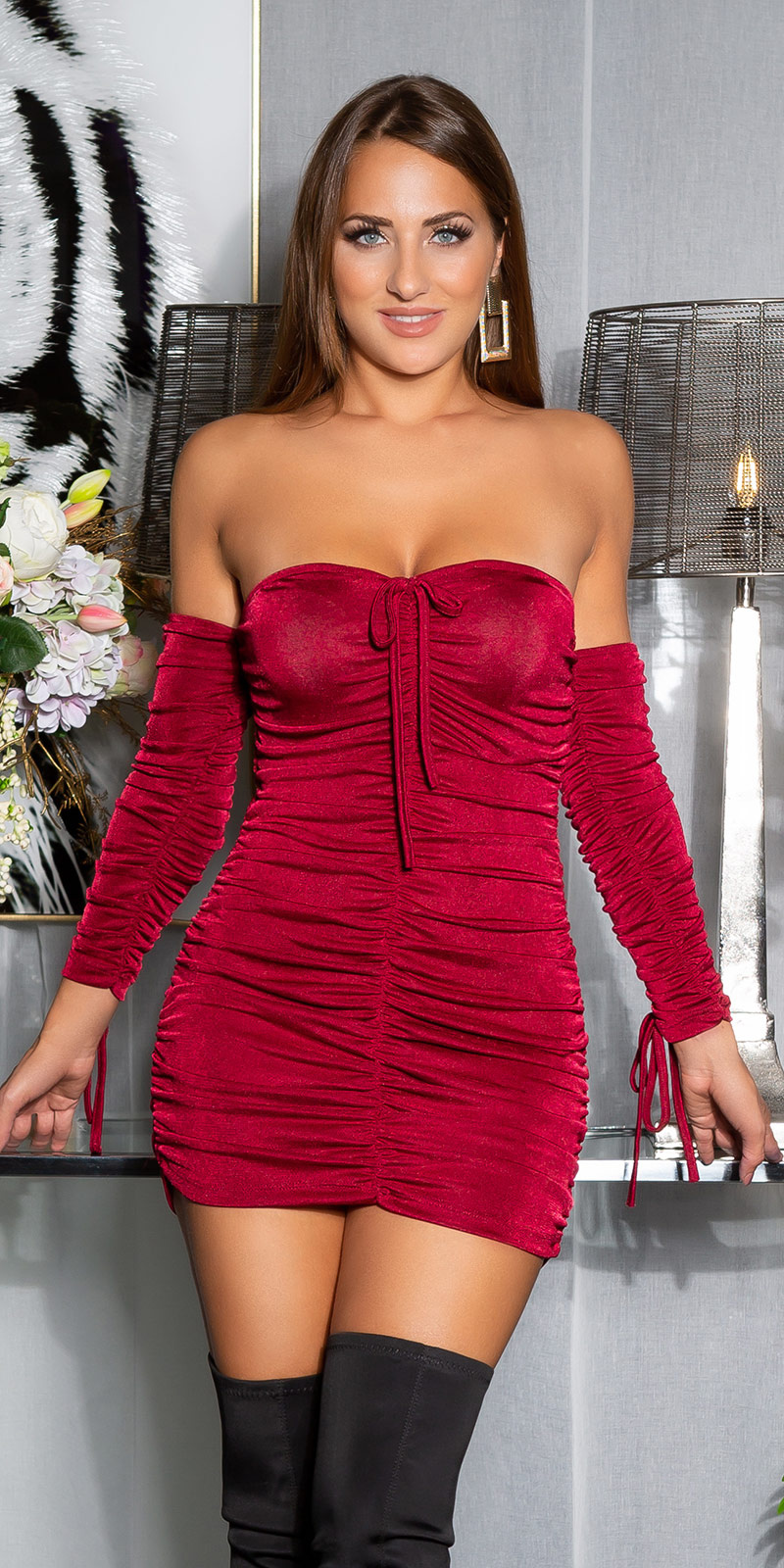 Sexy off-shoulder ruffled jurk bordeaux