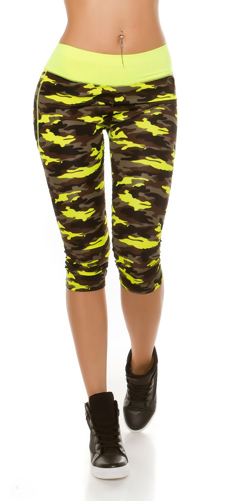 Trendy Workout Capri Leggings in Camouflage Neonyellow