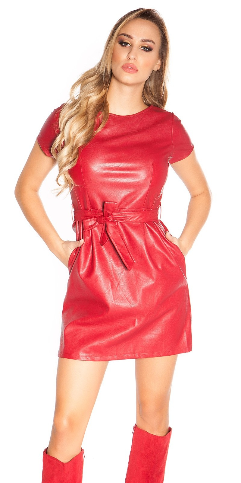 Sexy lederlook mini jurkje met riem rood