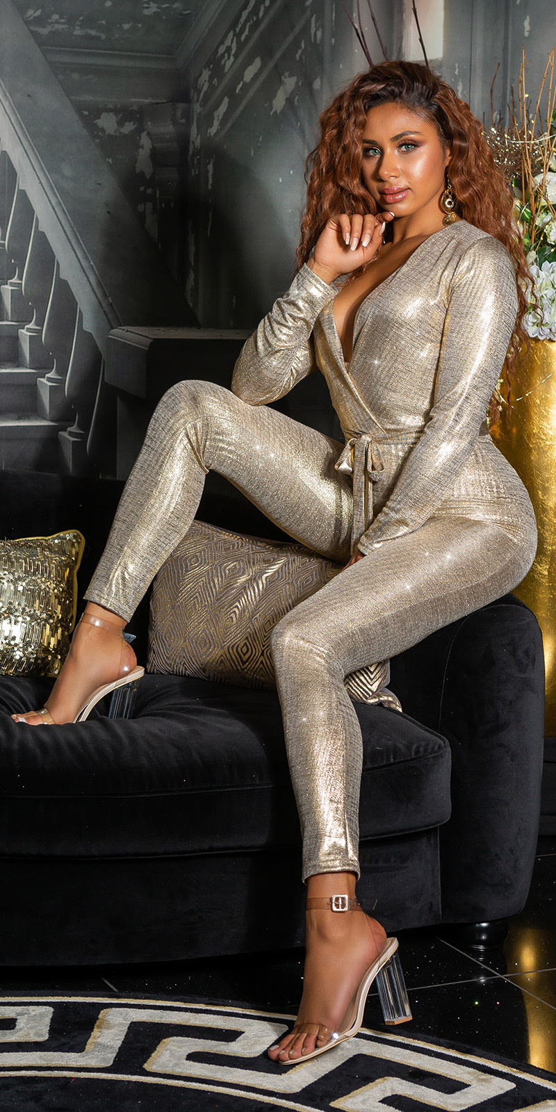 Sexy glamour v-halter jumpsuit met riem goud