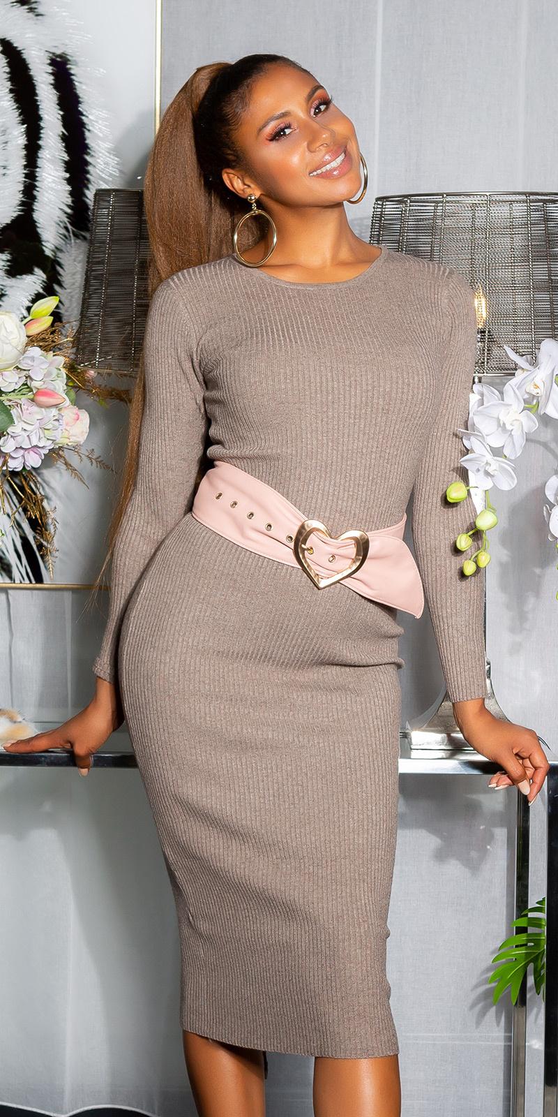 Sexy geribbelde gebreide jurk met veter bruin