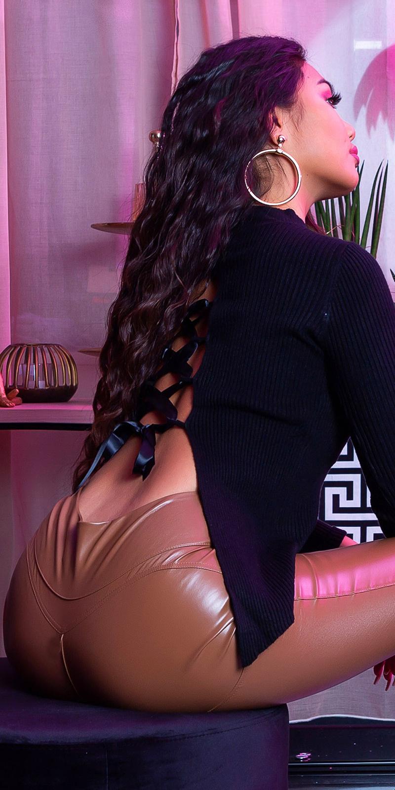 Sexy geribbelde sweater-trui met rug veter zwart