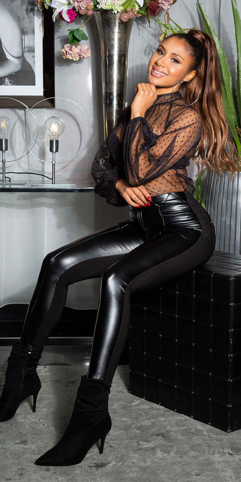 Sexy faux leder stretch thermo broek zwart