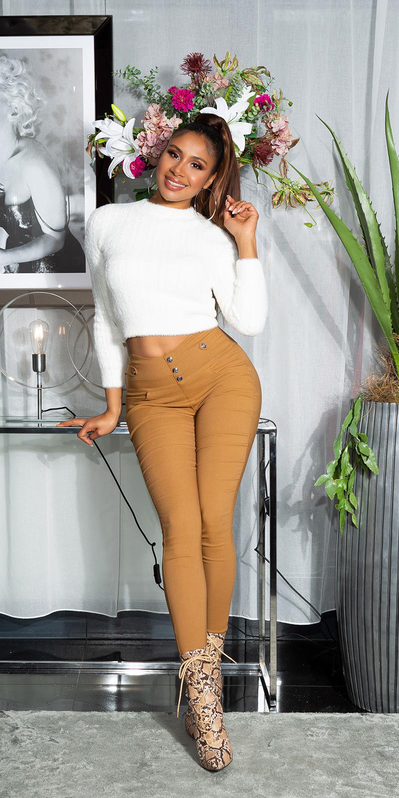 Sexy skinny broek met decoratieve knopen bruin