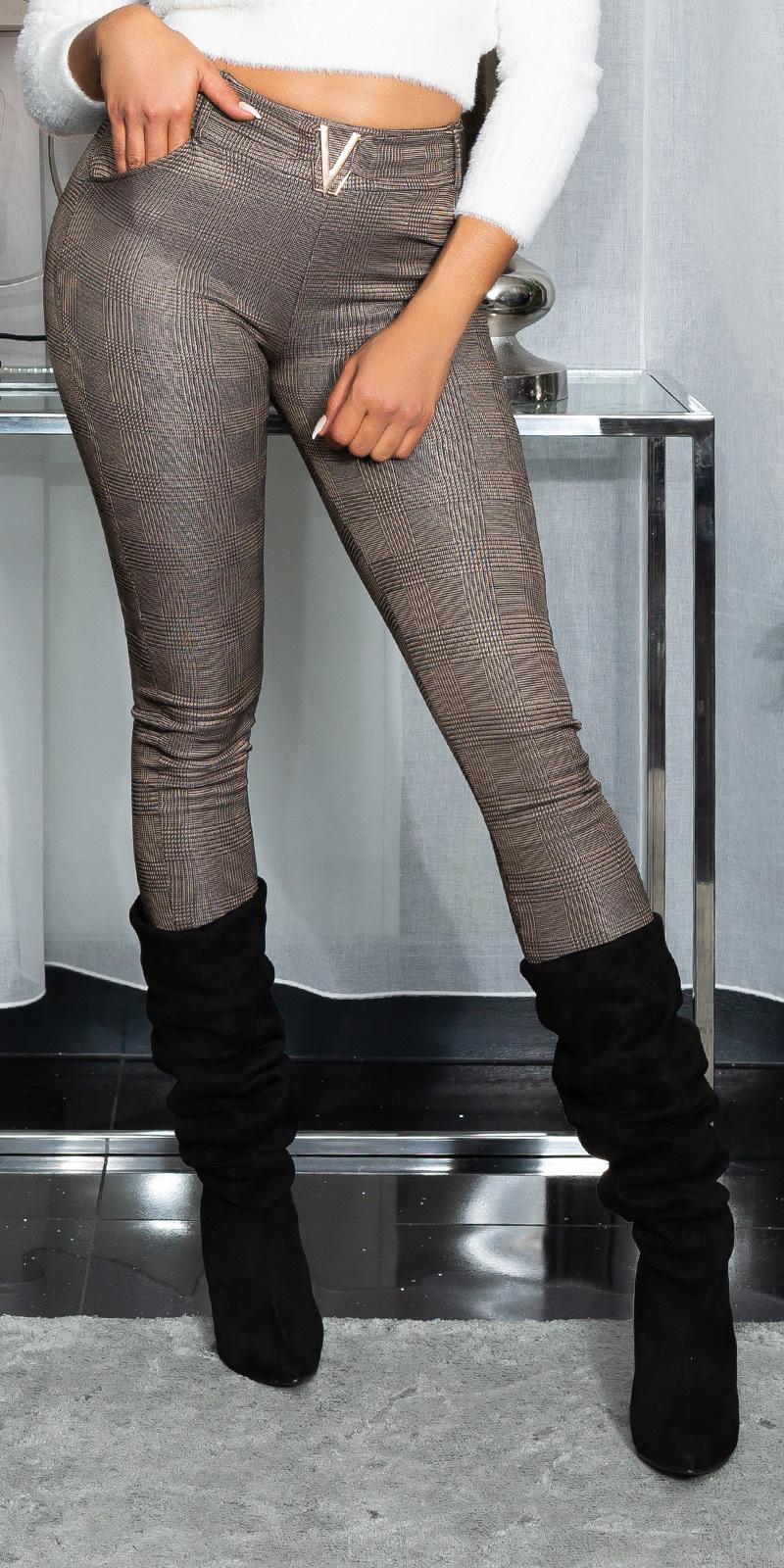 Sexy karo broek met v gesp bruin