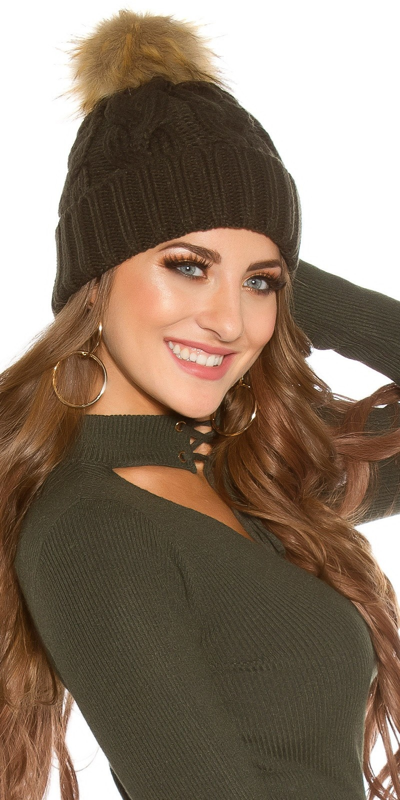 Trendy knitted cap w.removeable fake fur PomPom Khaki
