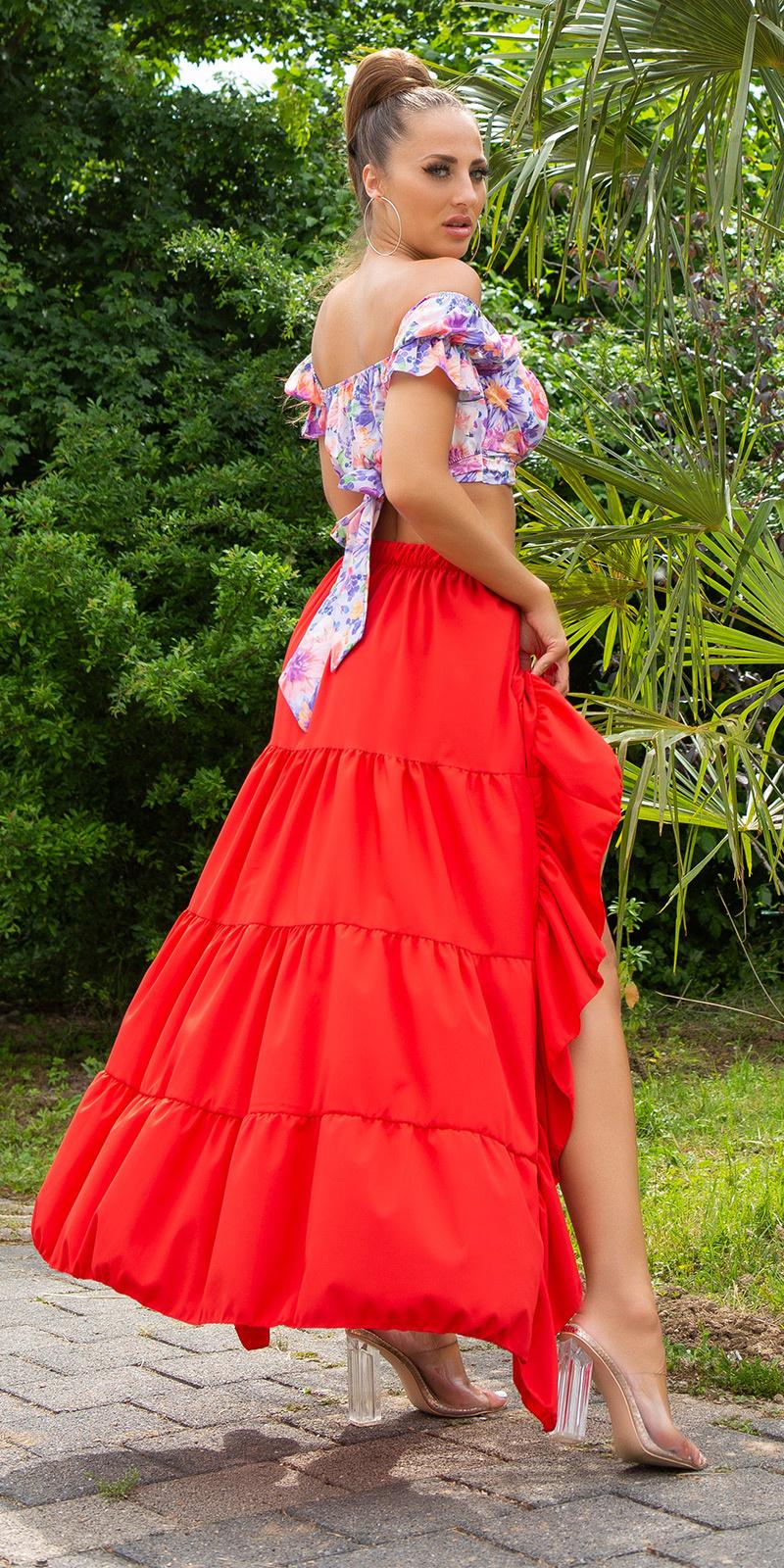 Sexy latina high-low rok rood