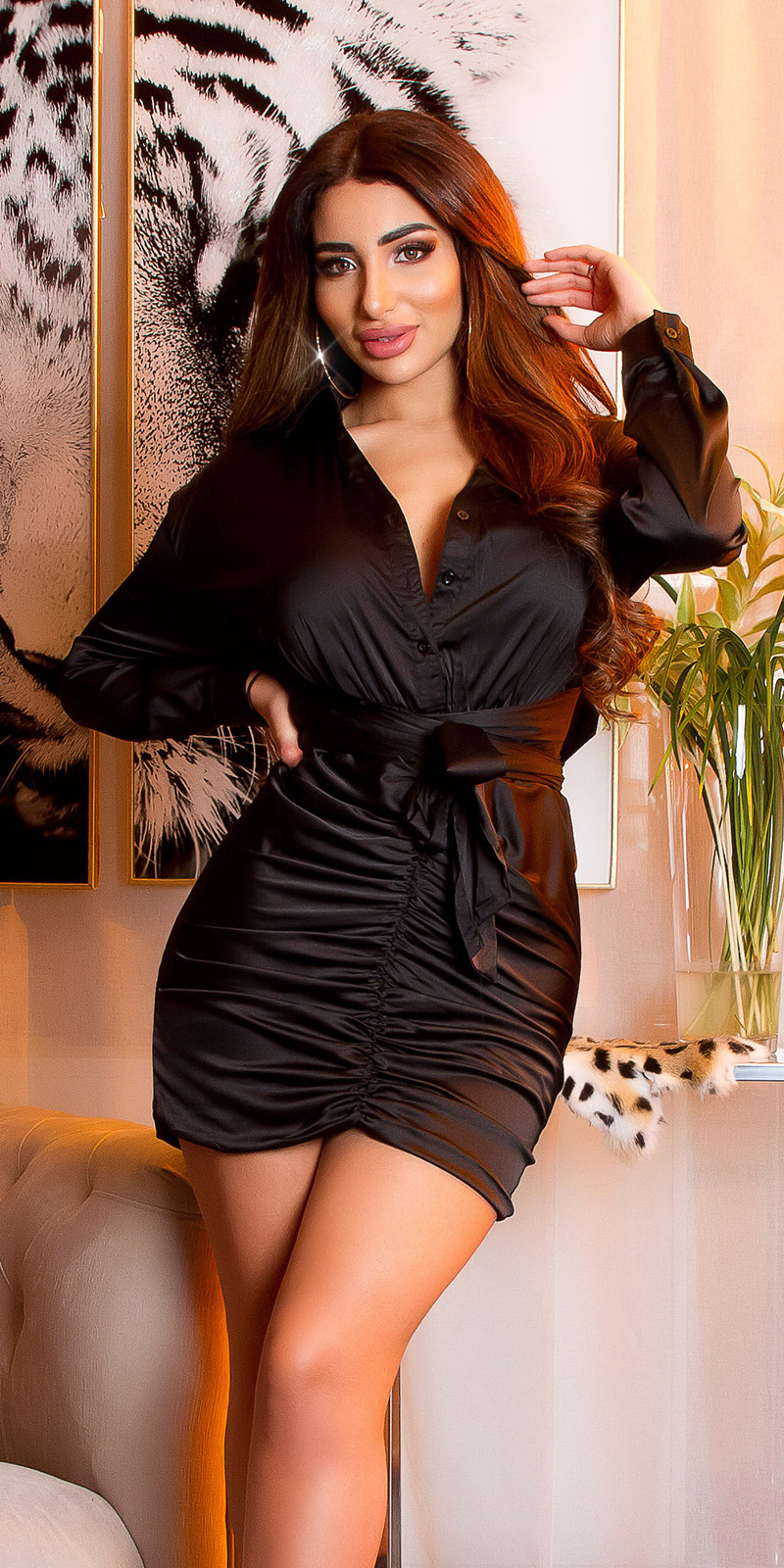 Sexy satijn look mini jurkje lange mouw zwart