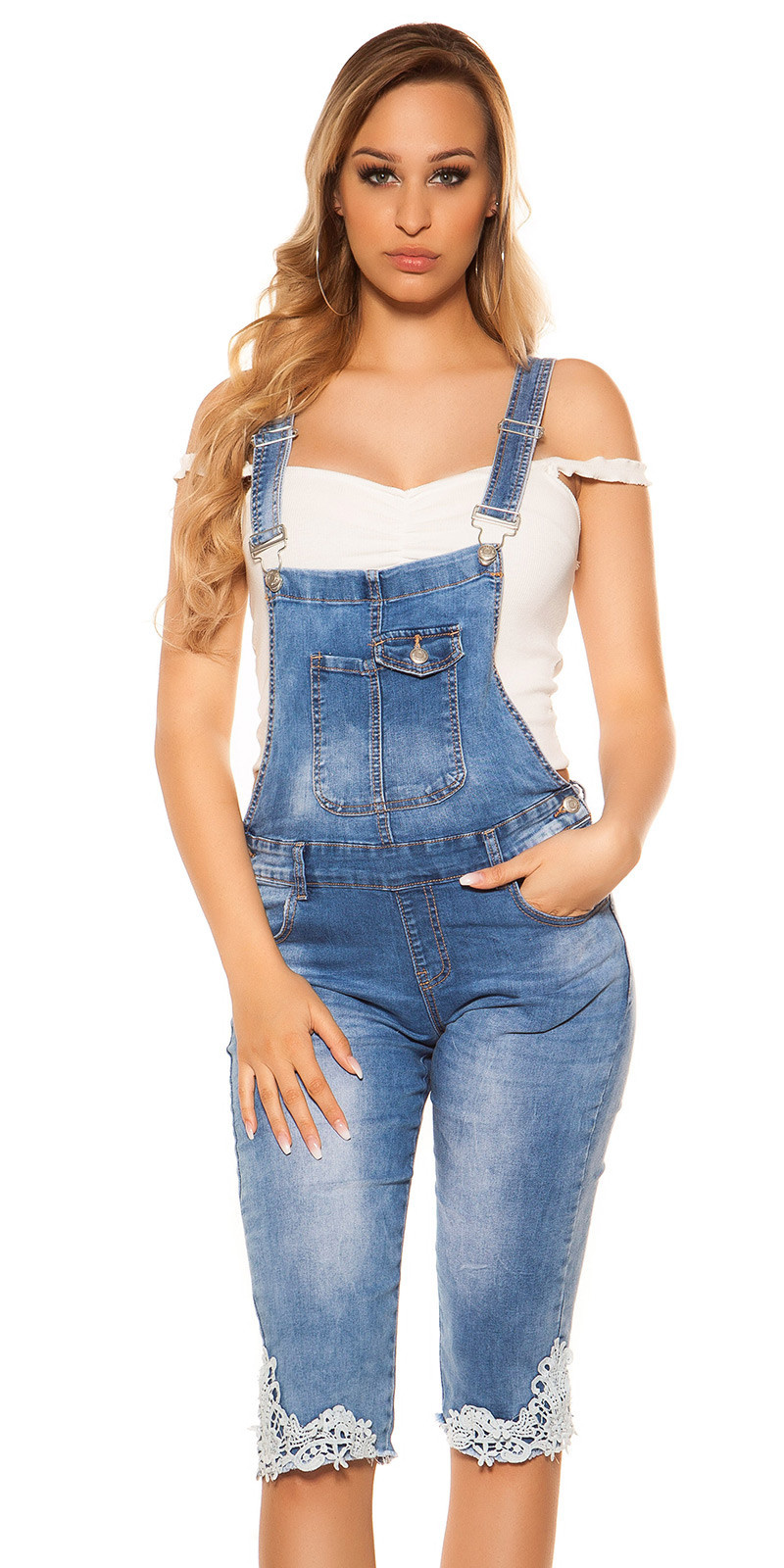 Trendy tuinbroek capri-driekwarts jeans met kant jeansblauw