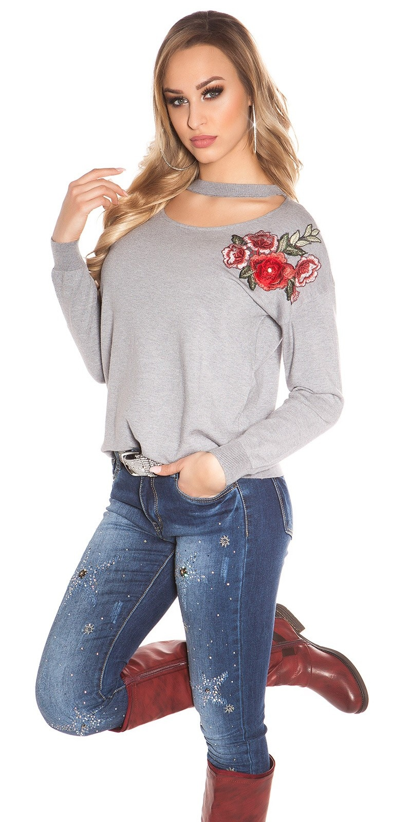 Trendy Neck Pullover w. flower embroidery Grey