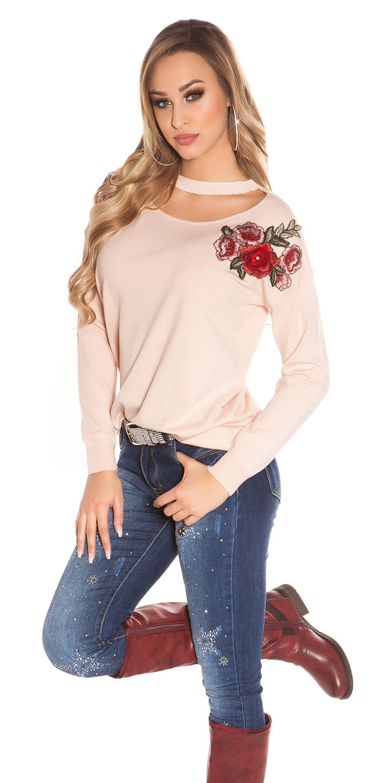Trendy Neck Pullover w. flower embroidery Pink