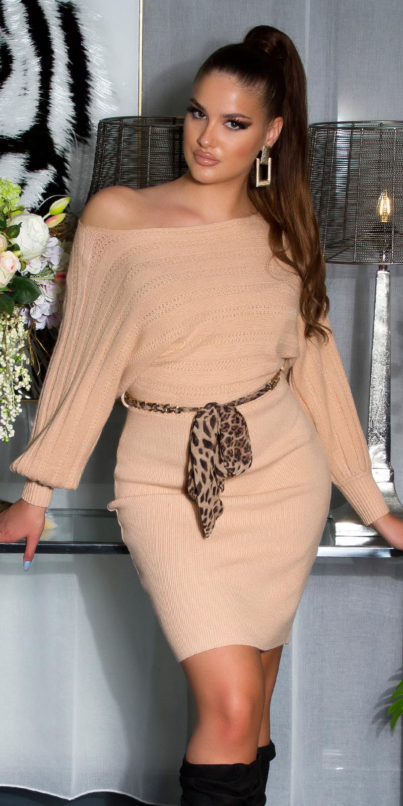 Sexy gebreide jurk met ketting riem beige
