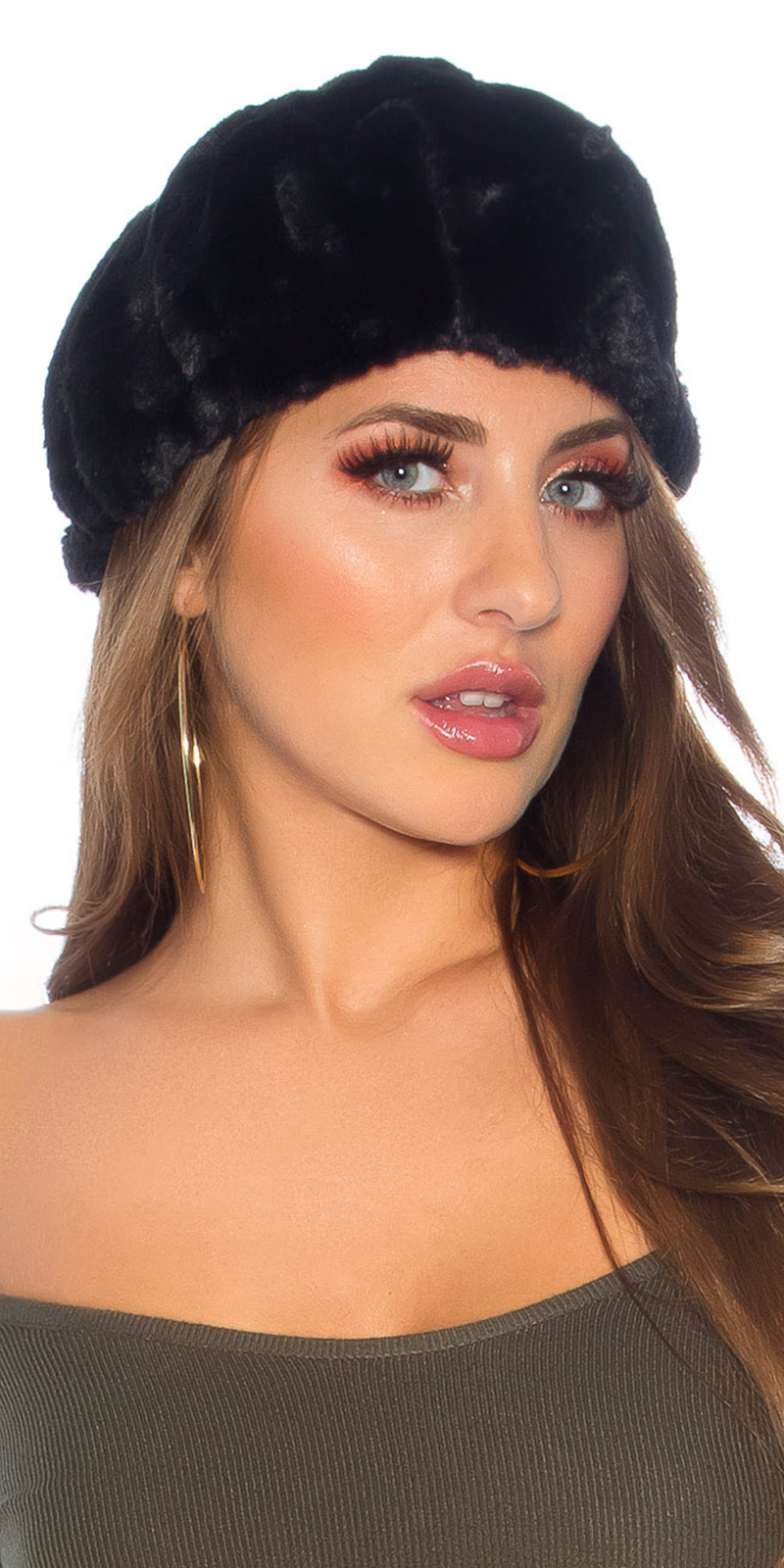 Trendy pluizige hat - beanie zwart