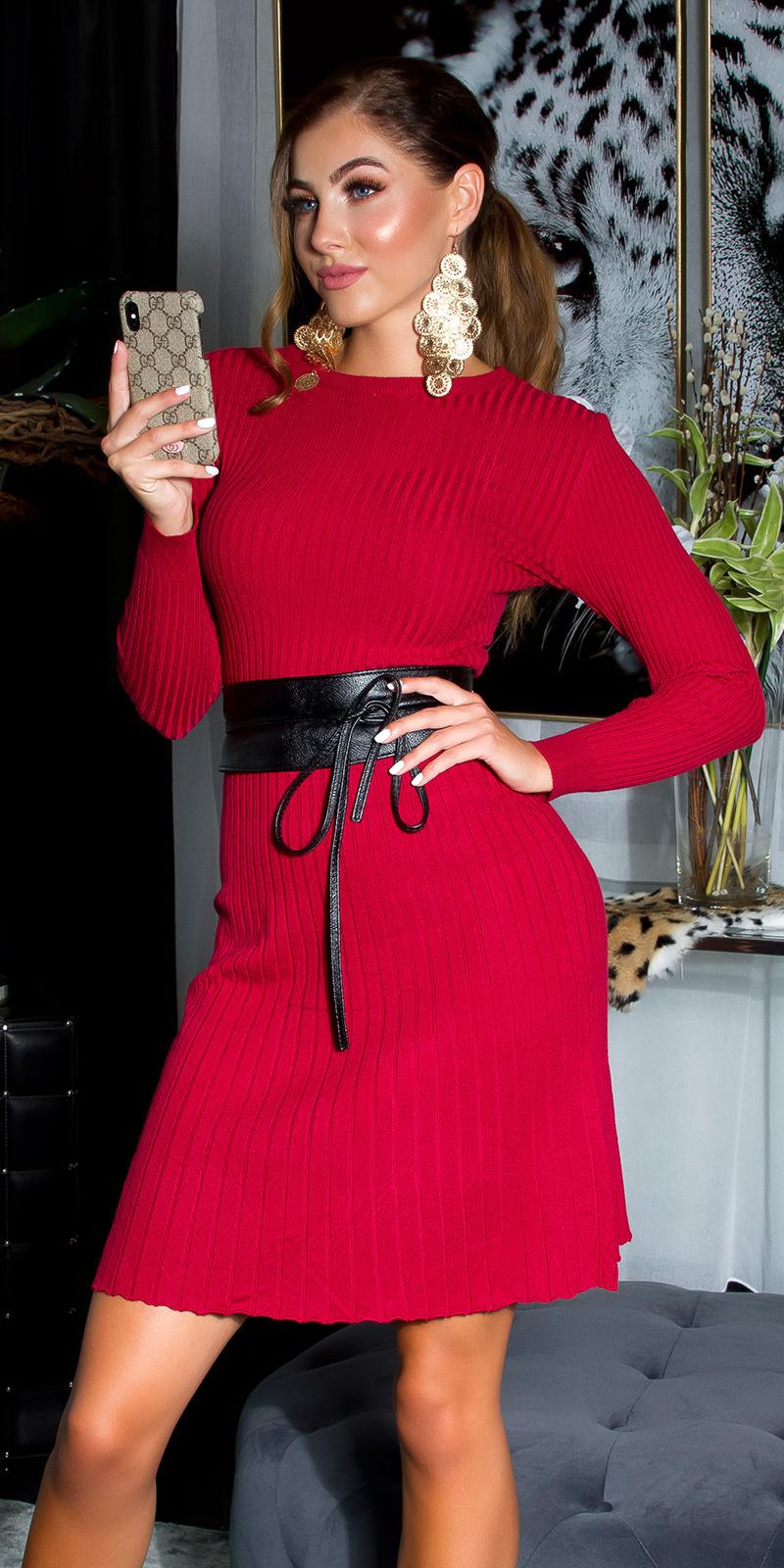 Sexy aansluitende rib-gebreide jurk rood