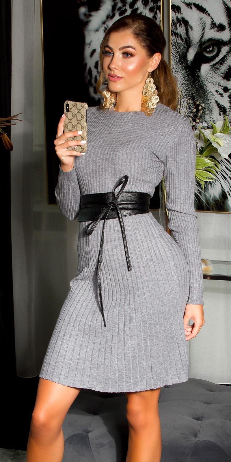 Sexy aansluitende rib-gebreide jurk grijs